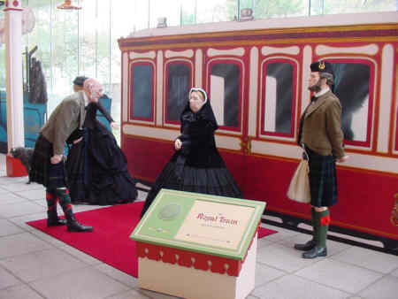 queen victoria arriving at ballater picture photograph