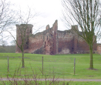 bothwell castle picture photograph