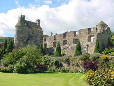 falkland palace pictures photographs
