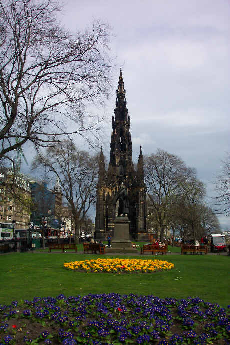 scott monument picture princes street edinburgh